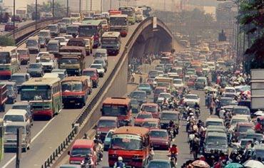 Hasil gambar untuk air pollution jakarta