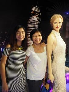 Dwarfs beside Nicole Kidman.