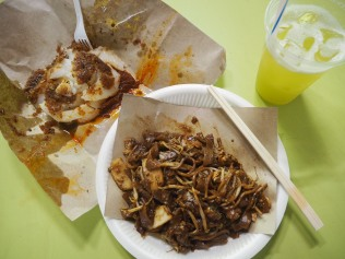 Char Kway Teow, Chwee Kueh, and Sugar Cane Juice.