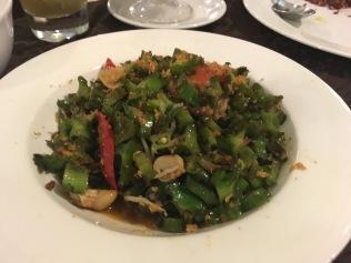 Oseng-Oseng Ketjipir (sauteed wing beans).